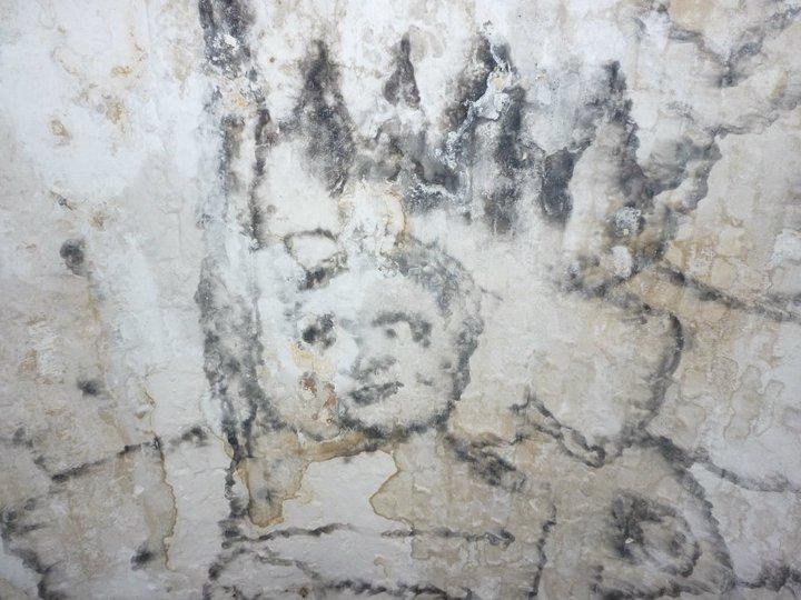 image of burnt ceiling in fort William in ghana