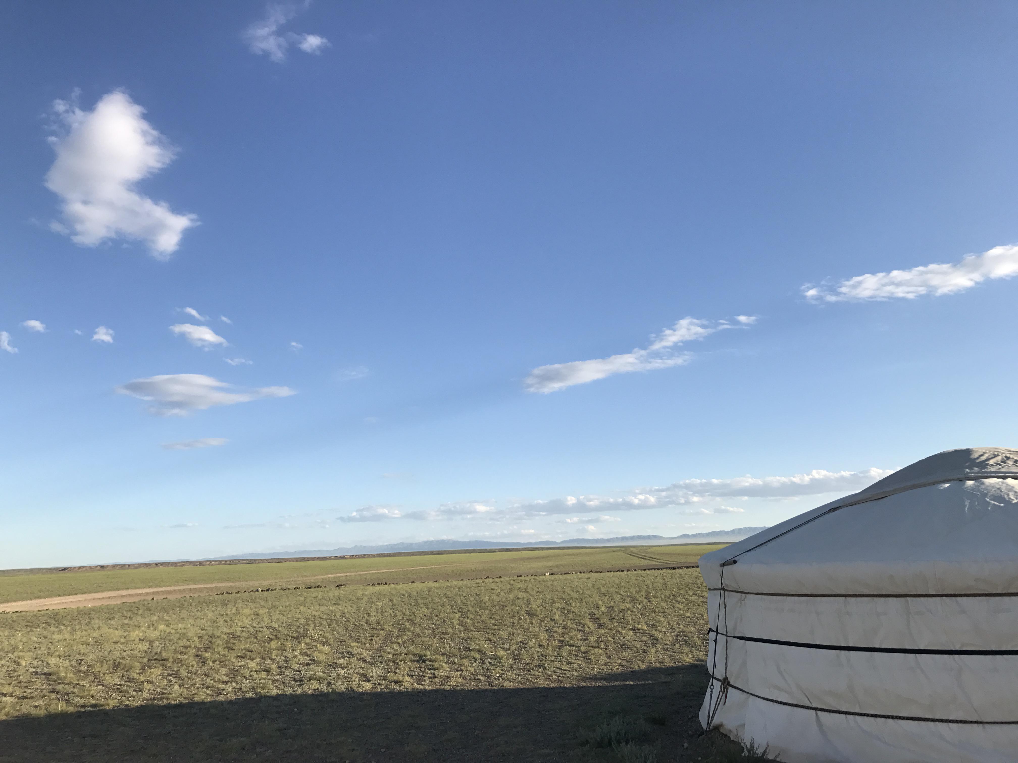 Image of ger in Gobi Desert