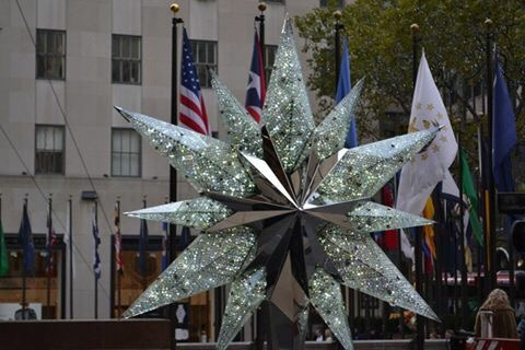 image of the Rockefeller Christmas star