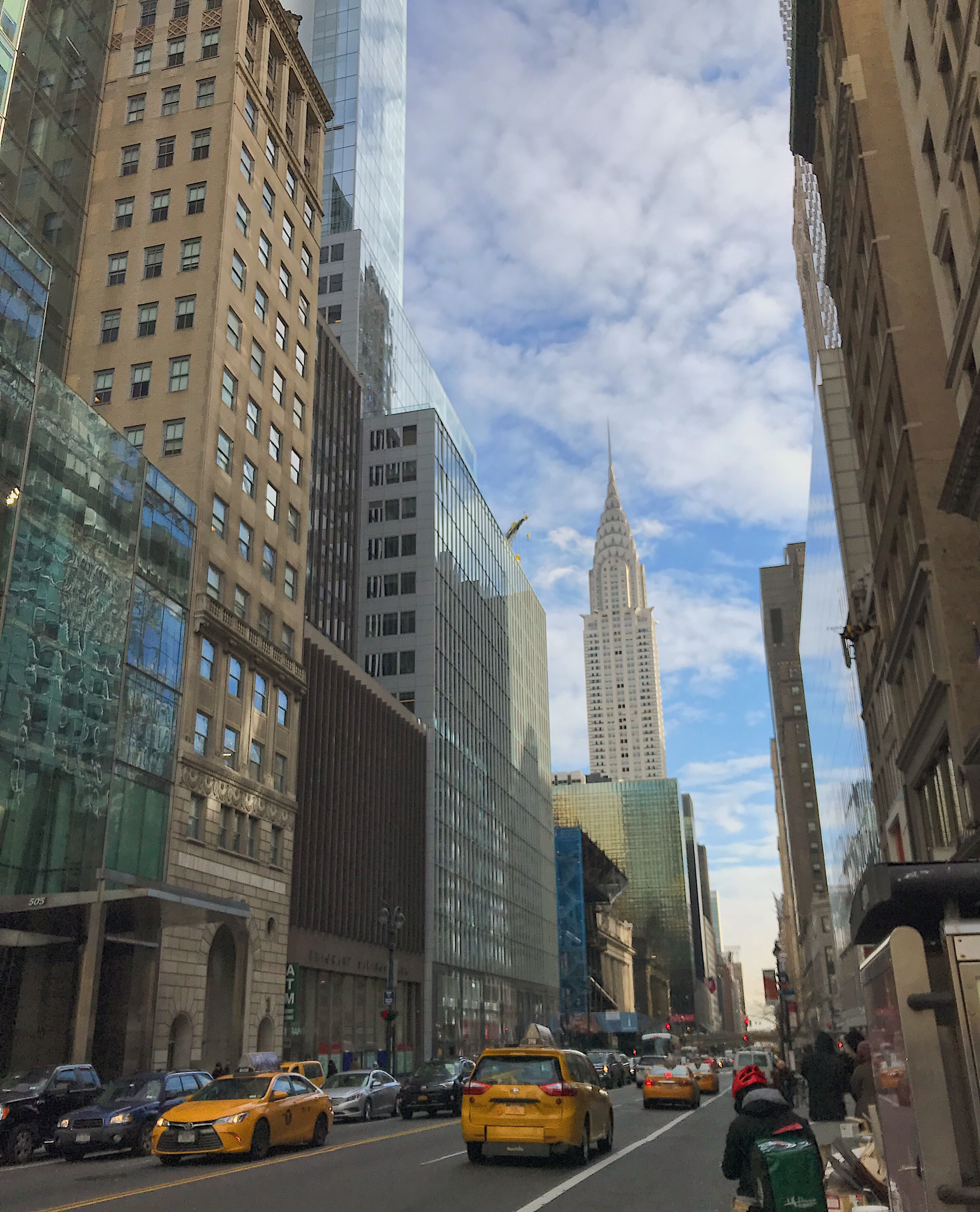Image of the Chrysler building in New York