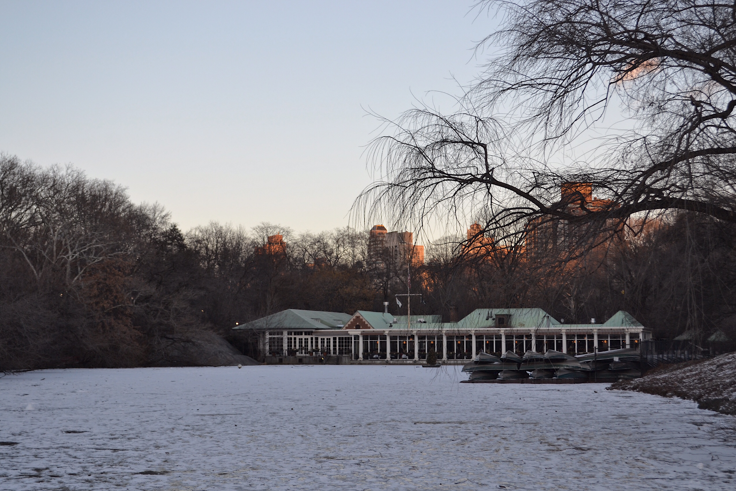 image of the boat house in Central Park in New York