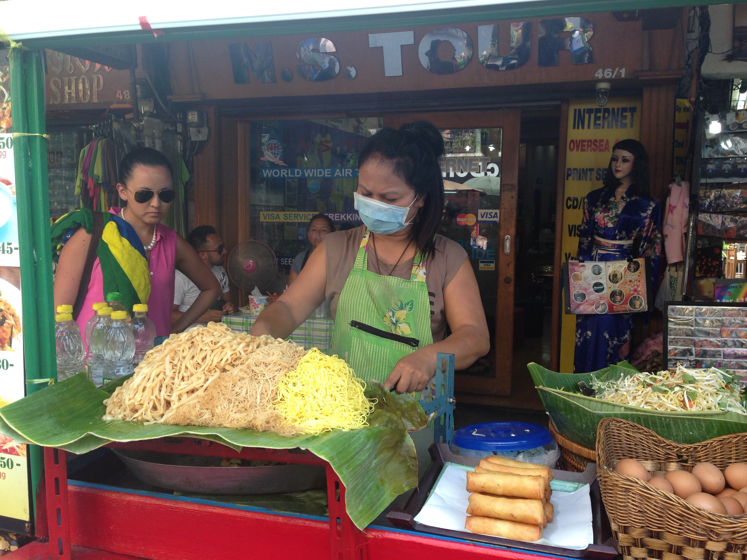 Image of cooking Pad Thai on Khao San Road in Thailand