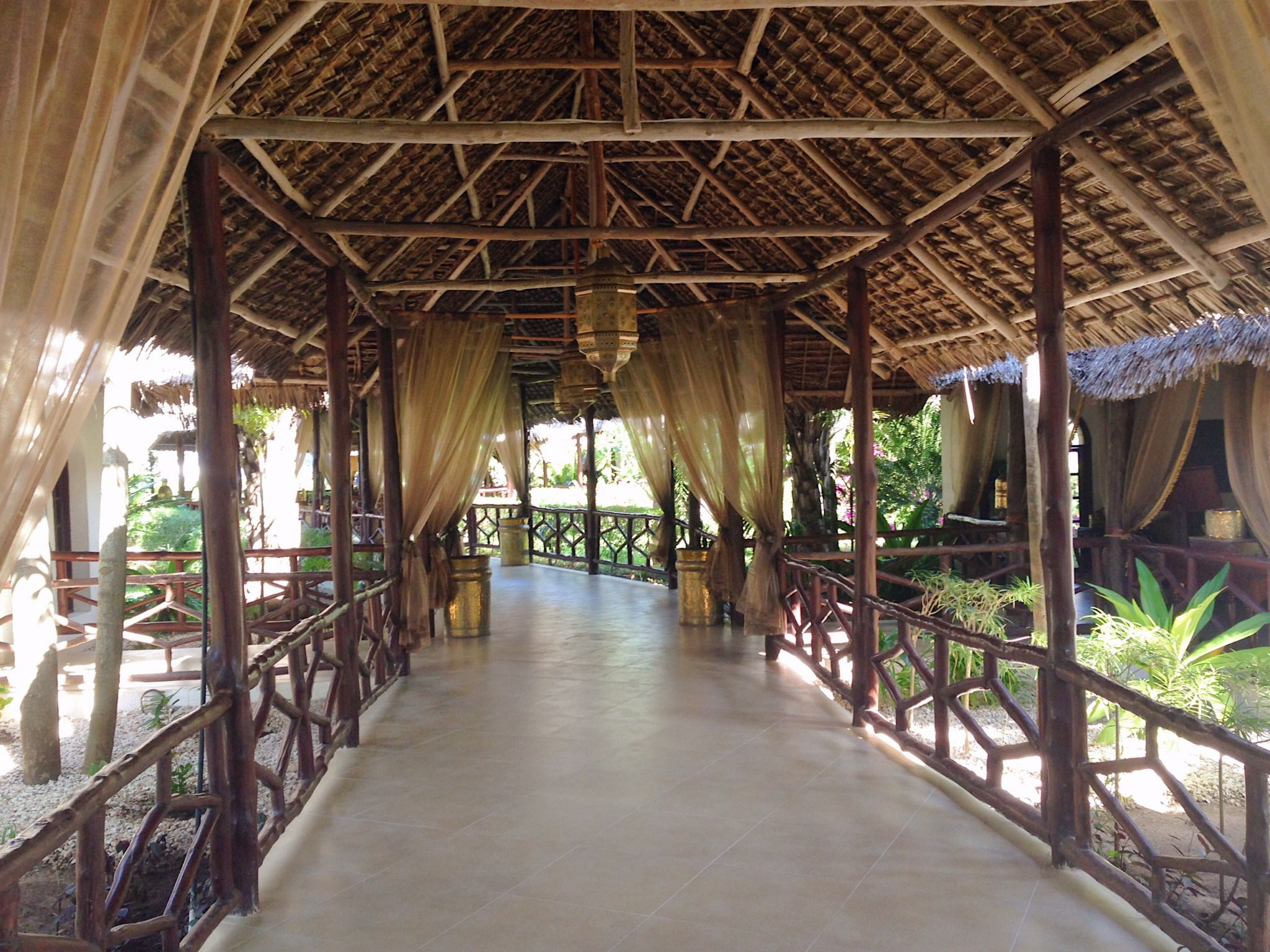 Image of entrance of Dongwe Club Hotel in Zanzibar