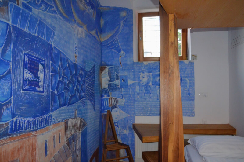 image of artist decor in hostel celica