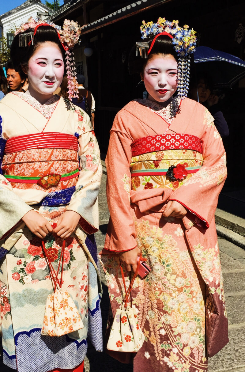 image of geishas in Japan itinerary