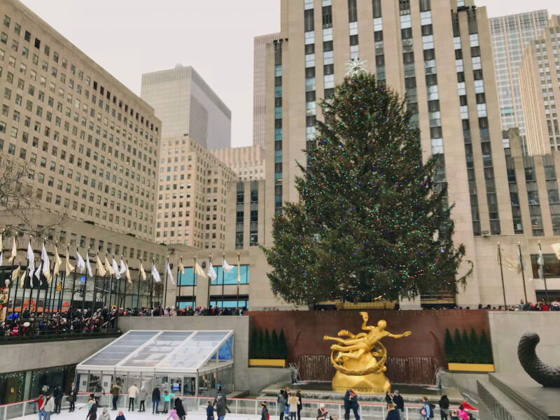 image of Christmas tree in front of Rockefeller