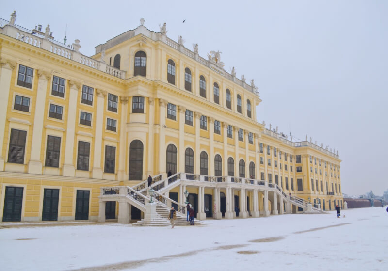 image of Schonbrunn palace