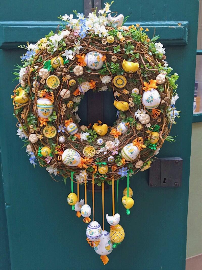 Image of wreath in Prague in Spring