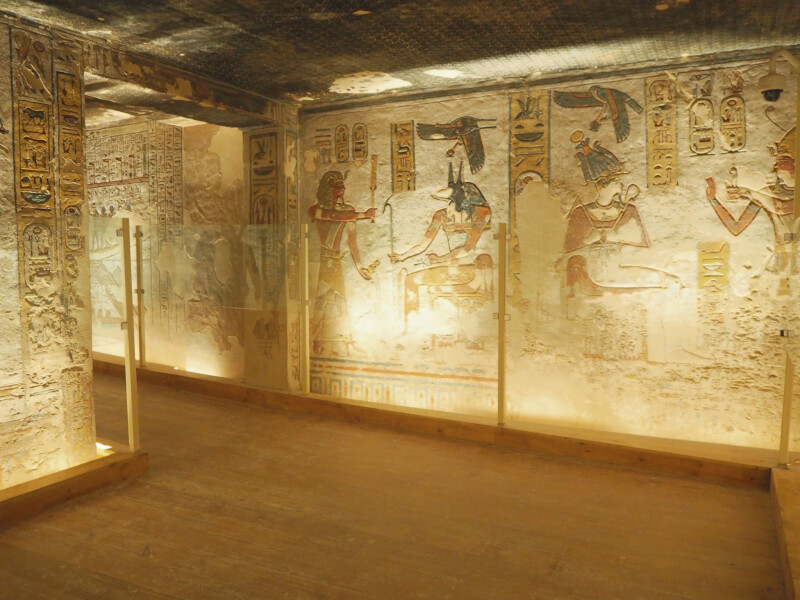 inside tomb of Ramses III