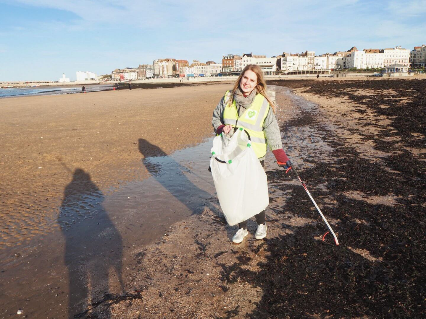 image of a beach clean during a microgap to Margate