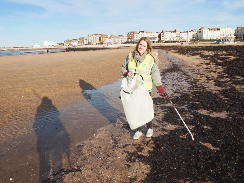 image of beach clean on Margate Main Sands on a giving back Microgap