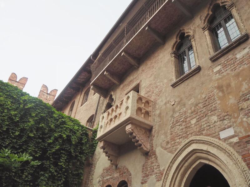 image of Juliets balcony in Verona