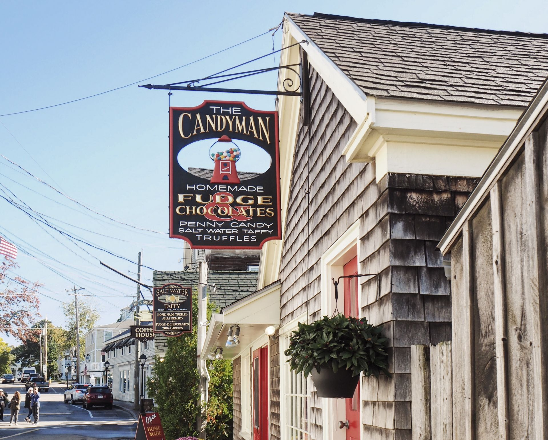 image of the Candyman shop in Kennebunkport