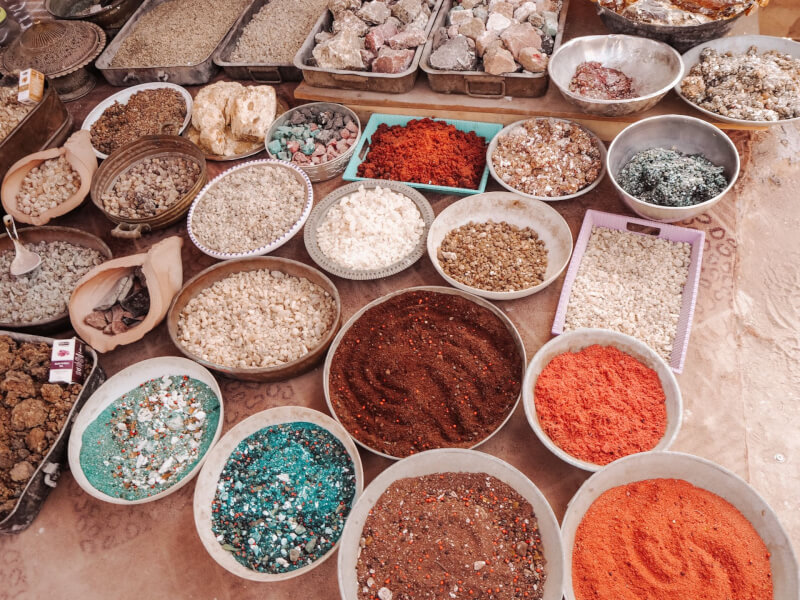 image of spices you can buy when you visit Petra