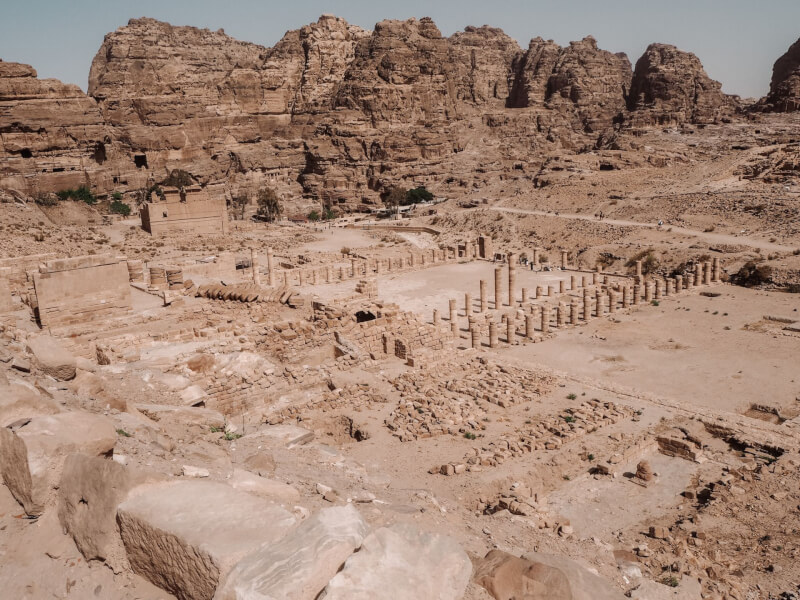 image of the colonnaded street in Petra