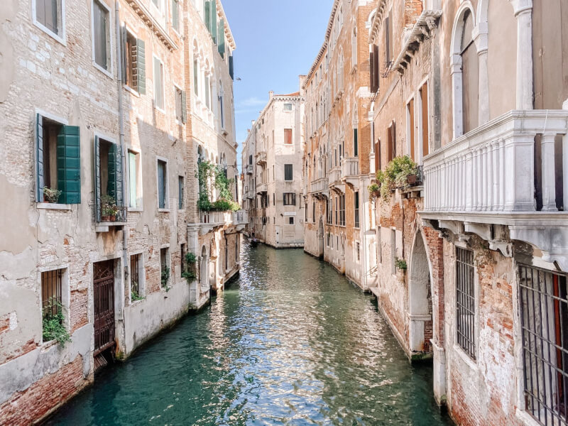 image of canals in Venice