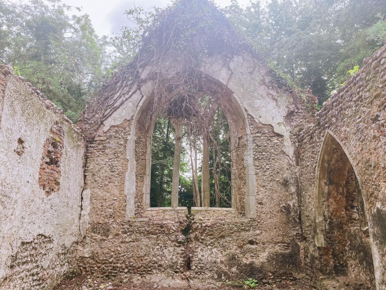 image of St John the Baptist Church ruin in Croxton