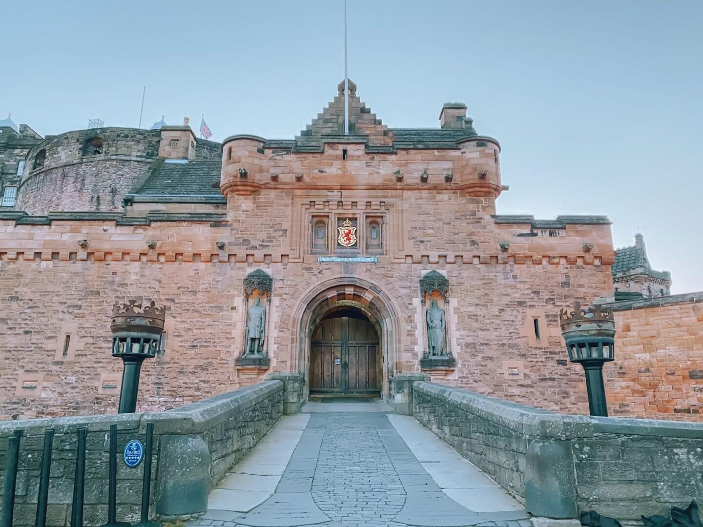 image of Edinburgh castle - one of the amazing things to do in Edinburgh
